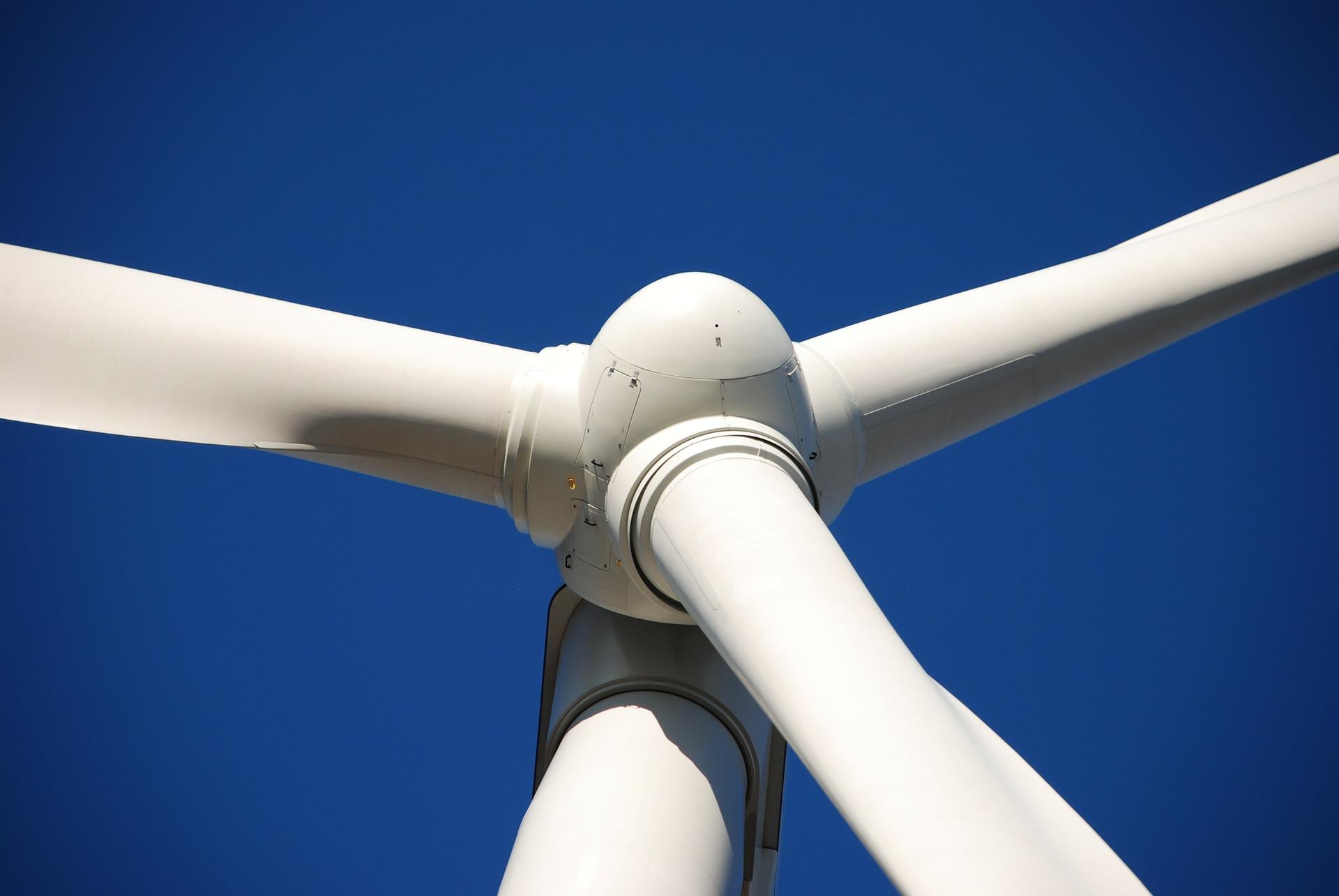 Wind turbine recycling equipment